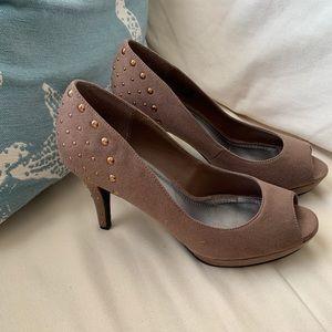 Studded peep toe heels Naturalizer size 7M